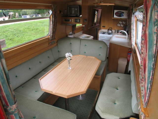The Brown Weaver - a 4 Person Canal Boat