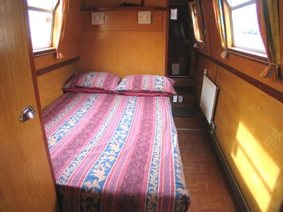 The Annar - a 6 Person Canal Boat