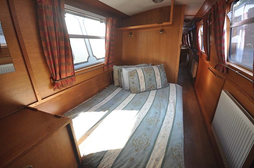 The Blythe - a 6 Person Canal Boat