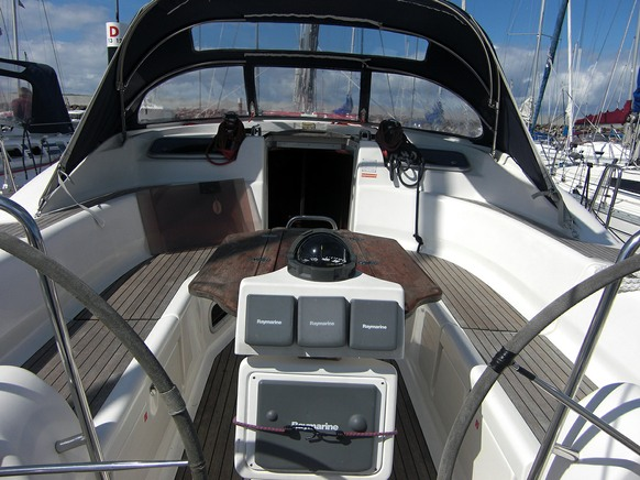 Moonsong - a Bavaria 44
