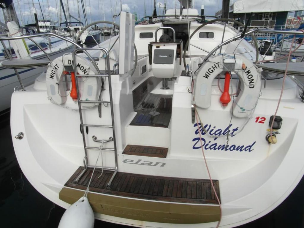 White Diamond - a Elan impression 434