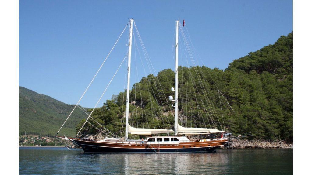 Kaya Guneris - a Gulet
