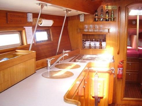 Cascadeur - a Jeanneau Voyage 12.50