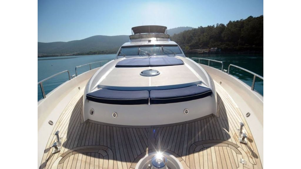 Serenity - a Yacht 82