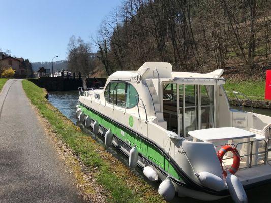 Estivale Sixto Green - a Custom Built River Cruiser