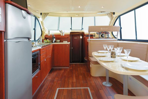 Estivale Sixto Prestige - a Custom Built River Cruiser