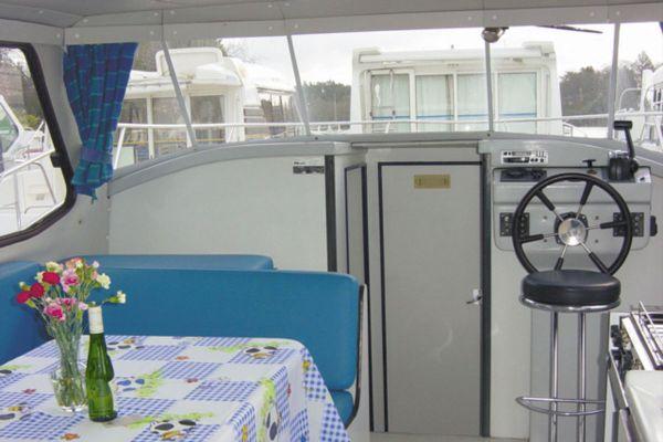 Riviera 1130 - a Custom Built River Cruiser